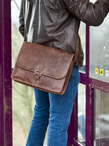 Ledertasche – Aslang – Laptoptasche aus Leder,Vintage Braun, Umhängetasche bis 13,5 Zoll